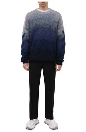 Мужской свитер OFF-WHITE синего цвета, арт. 0MHE098F21KNI001 | Фото 2 (Длина (для топов): Стандартные; Материал внешний: Шерсть, Синтетический материал; Рукава: Длинные; Мужское Кросс-КТ: Свитер-одежда; Принт: С принтом; Стили: Гранж)