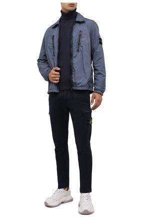 Мужской хлопковый свитер STONE ISLAND темно-синего цвета, арт. 7515542A2 | Фото 2 (Материал внешний: Хлопок; Длина (для топов): Стандартные; Рукава: Длинные; Мужское Кросс-КТ: Свитер-одежда; Принт: Без принта; Стили: Кэжуэл)