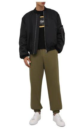 Мужская хлопковый лонгслив OFF-WHITE черного цвета, арт. 0MAB001F21JER004 | Фото 2 (Длина (для топов): Стандартные; Материал внешний: Хлопок; Рукава: Длинные; Принт: С принтом)