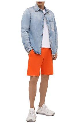 Мужские хлопковые шорты OFF-WHITE оранжевого цвета, арт. 0MCI006F21FLE002 | Фото 2 (Материал внешний: Хлопок; Кросс-КТ: Трикотаж; Стили: Спорт-шик; Принт: Без принта; Длина Шорты М: До колена)