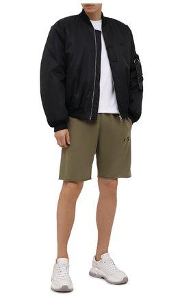 Мужские хлопковые шорты OFF-WHITE хаки цвета, арт. 0MCI006F21FLE001 | Фото 2 (Материал внешний: Хлопок; Длина Шорты М: До колена; Кросс-КТ: Трикотаж; Стили: Спорт-шик; Принт: Без принта)