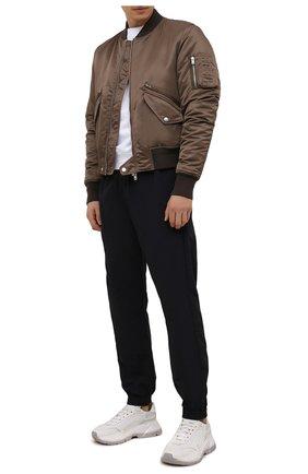 Мужские джоггеры OFF-WHITE черного цвета, арт. 0MCA164F21FAB002 | Фото 2 (Материал внешний: Синтетический материал; Силуэт М (брюки): Джоггеры; Стили: Спорт-шик; Длина (брюки, джинсы): Стандартные)