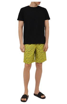 Мужские плавки-шорты VILEBREQUIN желтого цвета, арт. OKOH1B20/105 | Фото 2 (Материал внешний: Синтетический материал; Мужское Кросс-КТ: плавки-шорты; Принт: С принтом)