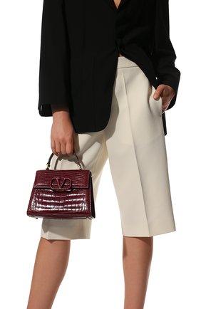 Женская сумка vsling small из кожи аллигатора VALENTINO бордового цвета, арт. WW2B0F53/XDE/AMIS | Фото 2 (Ремень/цепочка: На ремешке; Размер: small; Сумки-технические: Сумки top-handle, Сумки через плечо)