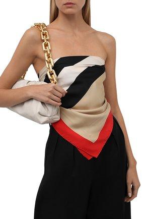Женский шелковый платок BURBERRY бежевого цвета, арт. 8041733   Фото 2 (Материал: Шелк, Текстиль; Принт: С принтом)