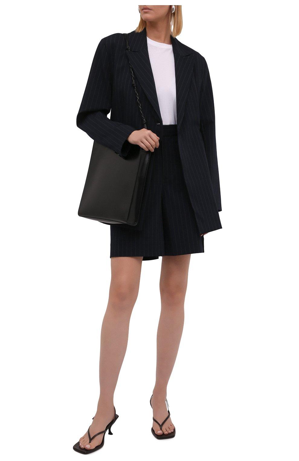 Женские шорты-бермуды GANNI темно-синего цвета, арт. F6119   Фото 2 (Женское Кросс-КТ: Шорты-одежда; Длина Ж (юбки, платья, шорты): Мини; Материал внешний: Синтетический материал, Вискоза; Кросс-КТ: Широкие; Стили: Кэжуэл)