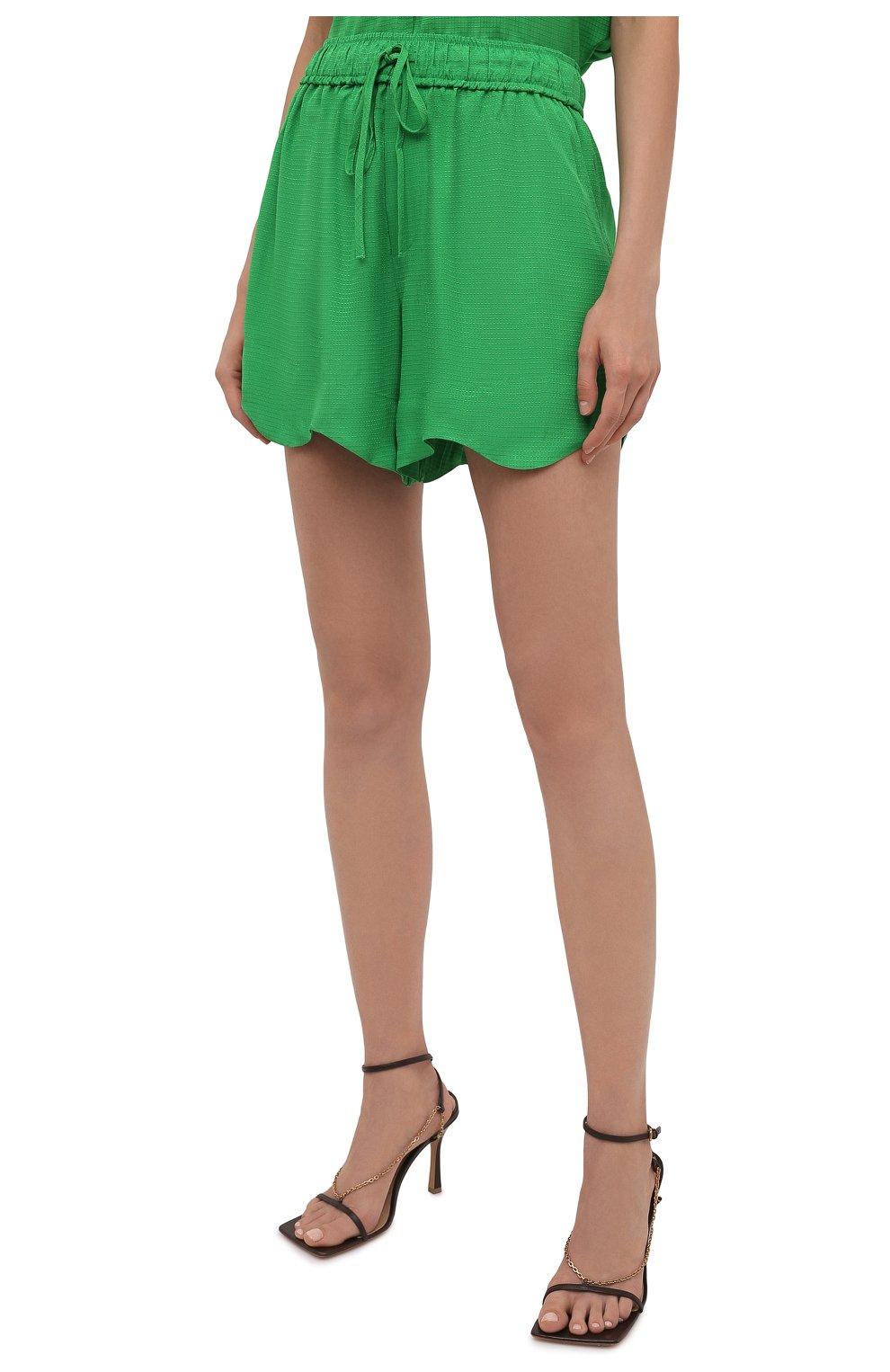 Женские шорты из вискозы GANNI зеленого цвета, арт. F6118 | Фото 3 (Женское Кросс-КТ: Шорты-одежда; Длина Ж (юбки, платья, шорты): Мини; Материал внешний: Вискоза; Стили: Романтичный)