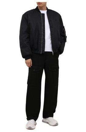 Мужские хлопковые брюки-карго ALEXANDER MCQUEEN черного цвета, арт. 664230/QRS29 | Фото 2 (Материал внешний: Хлопок; Длина (брюки, джинсы): Стандартные; Случай: Повседневный; Силуэт М (брюки): Карго; Стили: Гранж)