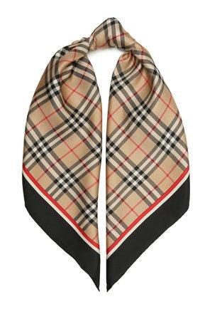 Женский шелковый платок BURBERRY бежевого цвета, арт. 8041734   Фото 1 (Материал: Текстиль, Шелк; Принт: С принтом)