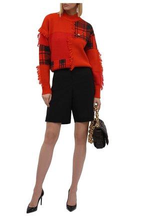 Женский шерстяной свитер VERSACE красного цвета, арт. 1001306/1A00791 | Фото 2 (Длина (для топов): Стандартные; Рукава: Длинные; Материал внешний: Шерсть; Стили: Гламурный; Женское Кросс-КТ: Свитер-одежда)