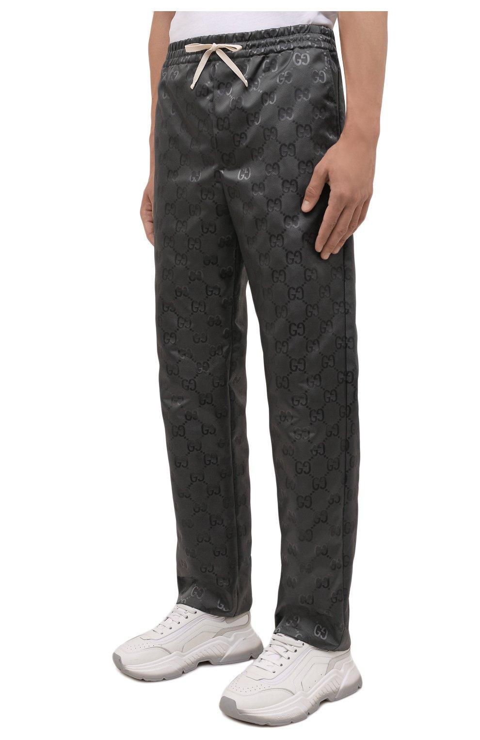 Мужские брюки GUCCI темно-серого цвета, арт. 656671/ZAEBN | Фото 3 (Стили: Ретро; Длина (брюки, джинсы): Стандартные; Случай: Повседневный; Материал внешний: Синтетический материал)