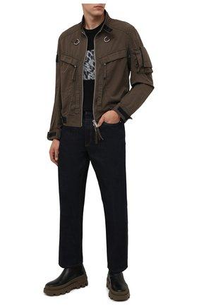 Мужской хлопковый бомбер DSQUARED2 хаки цвета, арт. S71AN0262/S49572 | Фото 2 (Материал внешний: Хлопок; Длина (верхняя одежда): Короткие; Рукава: Длинные; Кросс-КТ: Куртка; Принт: Без принта; Стили: Милитари)