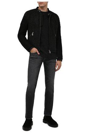 Мужские джинсы 7 FOR ALL MANKIND серого цвета, арт. JSMNB900TW | Фото 2 (Материал внешний: Хлопок; Длина (брюки, джинсы): Стандартные; Кросс-КТ: Деним; Силуэт М (брюки): Прямые; Детали: Потертости; Стили: Кэжуэл)