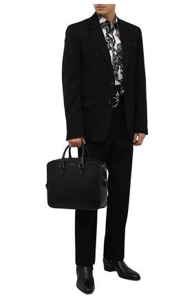 Мужская кожаная сумка для ноутбука v VERSACE черного цвета, арт. 1000747/1A00593 | Фото 2 (Материал: Натуральная кожа; Ремень/цепочка: На ремешке)
