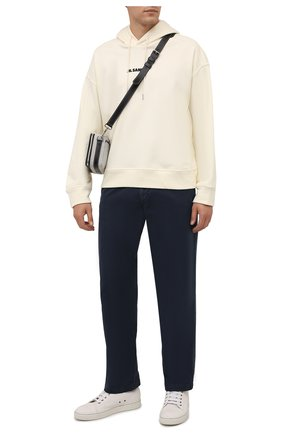Мужские хлопковые брюки STONE ISLAND темно-синего цвета, арт. 7515315L1 | Фото 2 (Материал внешний: Хлопок; Длина (брюки, джинсы): Стандартные; Случай: Повседневный; Стили: Кэжуэл; Силуэт М (брюки): Чиносы)