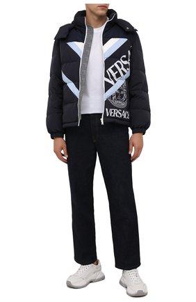 Мужская пуховая куртка VERSACE черного цвета, арт. 1001034/1A00691 | Фото 2 (Рукава: Длинные; Материал внешний: Синтетический материал; Материал подклада: Синтетический материал; Длина (верхняя одежда): Короткие; Материал утеплителя: Пух и перо; Кросс-КТ: Куртка; Мужское Кросс-КТ: пуховик-короткий; Стили: Кэжуэл)