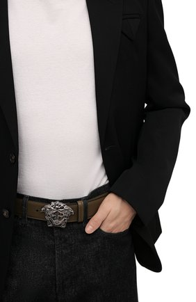 Мужской кожаный ремень VERSACE хаки цвета, арт. 1001340/1A00593 | Фото 2 (Случай: Повседневный)
