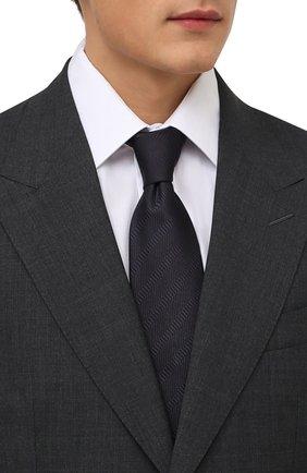Мужской шелковый галстук BRIONI темно-синего цвета, арт. 061D00/01442 | Фото 2 (Материал: Текстиль, Шелк; Принт: Без принта)