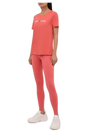 Женская хлопковая футболка TOMMY HILFIGER кораллового цвета, арт. S10S101016 | Фото 2 (Рукава: Короткие; Длина (для топов): Стандартные; Материал внешний: Хлопок; Стили: Спорт-шик; Принт: С принтом; Женское Кросс-КТ: Футболка-одежда, Футболка-спорт)