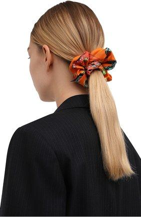 Женская резинка для волос VERSACE оранжевого цвета, арт. IELA002/1F01193 | Фото 2 (Материал: Текстиль, Шелк)