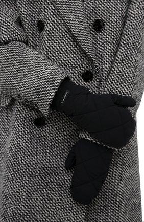 Женские стеганые варежки DOLCE & GABBANA черного цвета, арт. FG057A/FUS0D | Фото 2 (Материал: Синтетический материал, Текстиль; Женское Кросс-КТ: варежки)