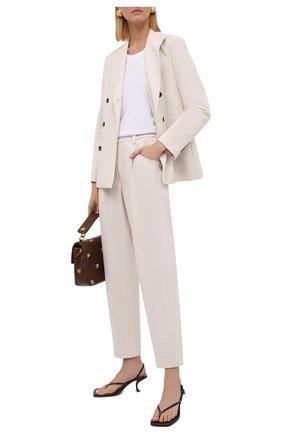 Женские хлопковые брюки BRUNELLO CUCINELLI белого цвета, арт. M0R24P7745   Фото 2 (Материал внешний: Хлопок; Длина (брюки, джинсы): Стандартные; Женское Кросс-КТ: Брюки-одежда; Стили: Кэжуэл; Силуэт Ж (брюки и джинсы): Прямые)