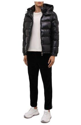 Мужские хлопковые брюки MONCLER черного цвета, арт. G2-091-8H000-06-899GH | Фото 2 (Длина (брюки, джинсы): Стандартные; Материал внешний: Хлопок; Случай: Повседневный; Стили: Спорт-шик)