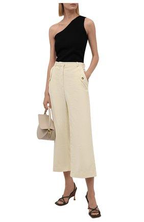 Женские вельветовые брюки KENZO  цвета, арт. FB62PA0369CV | Фото 2 (Материал внешний: Хлопок; Длина (брюки, джинсы): Укороченные; Стили: Кэжуэл; Женское Кросс-КТ: Брюки-одежда; Силуэт Ж (брюки и джинсы): Широкие)