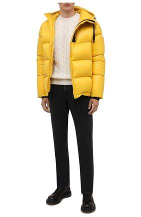 Мужские джинсы MONCLER темно-серого цвета, арт. G2-091-2A000-27-595JS | Фото 2 (Материал внешний: Хлопок; Длина (брюки, джинсы): Стандартные; Кросс-КТ: Деним; Силуэт М (брюки): Прямые; Стили: Кэжуэл)
