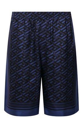 Мужские шелковые шорты VERSACE темно-синего цвета, арт. 1002476/1A01849 | Фото 1 (Материал внешний: Шелк; Материал подклада: Купро; Мужское Кросс-КТ: Шорты-одежда; Принт: С принтом; Длина Шорты М: До колена; Стили: Спорт-шик)