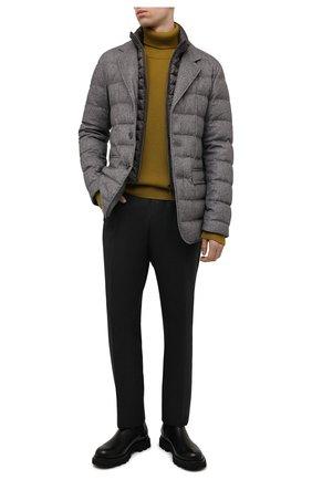 Мужская пуховая куртка HERNO серого цвета, арт. PI0583U/38087 | Фото 2 (Материал внешний: Шелк, Шерсть, Кашемир; Материал утеплителя: Пух и перо; Материал подклада: Синтетический материал; Кросс-КТ: Куртка; Мужское Кросс-КТ: пуховик-короткий; Стили: Кэжуэл; Длина (верхняя одежда): Короткие; Рукава: Длинные)