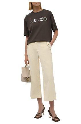 Женская хлопковая футболка KENZO темно-коричневого цвета, арт. FB62TS9744SA   Фото 2 (Длина (для топов): Удлиненные; Материал внешний: Хлопок; Рукава: Короткие; Стили: Спорт-шик; Принт: С принтом; Женское Кросс-КТ: Футболка-одежда)