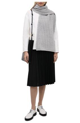 Женский кашемировый шарф ALLUDE светло-серого цвета, арт. 215/60631 | Фото 2 (Материал: Шерсть, Кашемир)