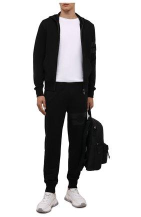 Мужские хлопковые джоггеры MONCLER черного цвета, арт. G2-091-8H000-02-809KR | Фото 2 (Длина (брюки, джинсы): Стандартные; Материал внешний: Хлопок; Силуэт М (брюки): Джоггеры; Мужское Кросс-КТ: Брюки-трикотаж; Стили: Спорт-шик; Кросс-КТ: Спорт)