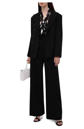 Женская шелковая блузка DOLCE & GABBANA черно-белого цвета, арт. F5N70T/IS1I7 | Фото 2 (Материал внешний: Шелк; Длина (для топов): Стандартные; Рукава: Длинные; Женское Кросс-КТ: Блуза-одежда; Принт: С принтом; Стили: Романтичный)