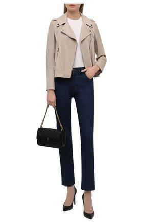 Женская замшевая куртка BRUNELLO CUCINELLI светло-бежевого цвета, арт. M0PCL2873 | Фото 2 (Материал подклада: Синтетический материал; Рукава: Длинные; Длина (верхняя одежда): Короткие; Кросс-КТ: Куртка; Женское Кросс-КТ: Замша и кожа; Стили: Кэжуэл)