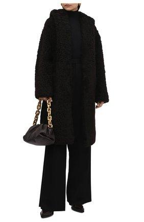 Женская шуба из овчины BOTTEGA VENETA коричневого цвета, арт. 669568/VKV70   Фото 2 (Рукава: Длинные; Длина (верхняя одежда): До колена; Материал внешний: Натуральный мех; Женское Кросс-КТ: Мех; Стили: Кэжуэл)