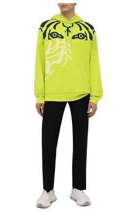 Мужской хлопковое худи kenzo x wwf KENZO светло-зеленого цвета, арт. FB65SW5384M0   Фото 2 (Материал внешний: Хлопок; Длина (для топов): Стандартные; Рукава: Длинные; Мужское Кросс-КТ: Худи-одежда; Принт: С принтом; Стили: Спорт-шик)