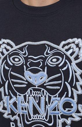 Мужской хлопковый свитшот KENZO темно-синего цвета, арт. FB65SW1244XF | Фото 5 (Рукава: Длинные; Длина (для топов): Стандартные; Принт: С принтом; Мужское Кросс-КТ: свитшот-одежда; Материал внешний: Хлопок; Стили: Спорт-шик)