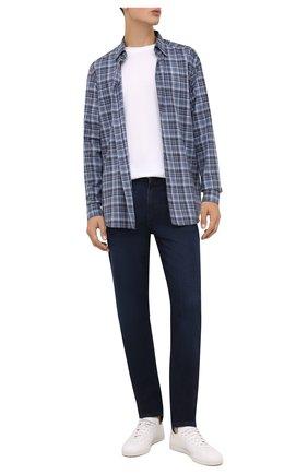 Мужские джинсы BOSS темно-синего цвета, арт. 50458151 | Фото 2 (Длина (брюки, джинсы): Стандартные; Материал внешний: Хлопок; Кросс-КТ: Деним; Силуэт М (брюки): Прямые; Стили: Кэжуэл)