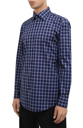 Мужская хлопковая рубашка BOSS синего цвета, арт. 50454035   Фото 3 (Манжеты: На пуговицах; Принт: Клетка; Воротник: Кент; Рукава: Длинные; Случай: Повседневный; Длина (для топов): Стандартные; Рубашки М: Slim Fit; Материал внешний: Хлопок; Стили: Кэжуэл)