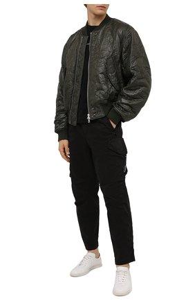 Мужские хлопковые брюки-карго C.P. COMPANY черного цвета, арт. 11CMPA230A-005529G | Фото 2 (Длина (брюки, джинсы): Стандартные; Материал внешний: Хлопок; Случай: Повседневный; Силуэт М (брюки): Карго; Стили: Гранж)