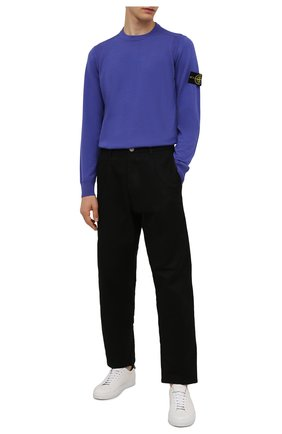 Мужской шерстяной джемпер STONE ISLAND фиолетового цвета, арт. 7515526C4   Фото 2 (Материал внешний: Шерсть; Мужское Кросс-КТ: Джемперы; Вырез: Круглый; Стили: Кэжуэл; Принт: Без принта; Рукава: Длинные; Длина (для топов): Стандартные)