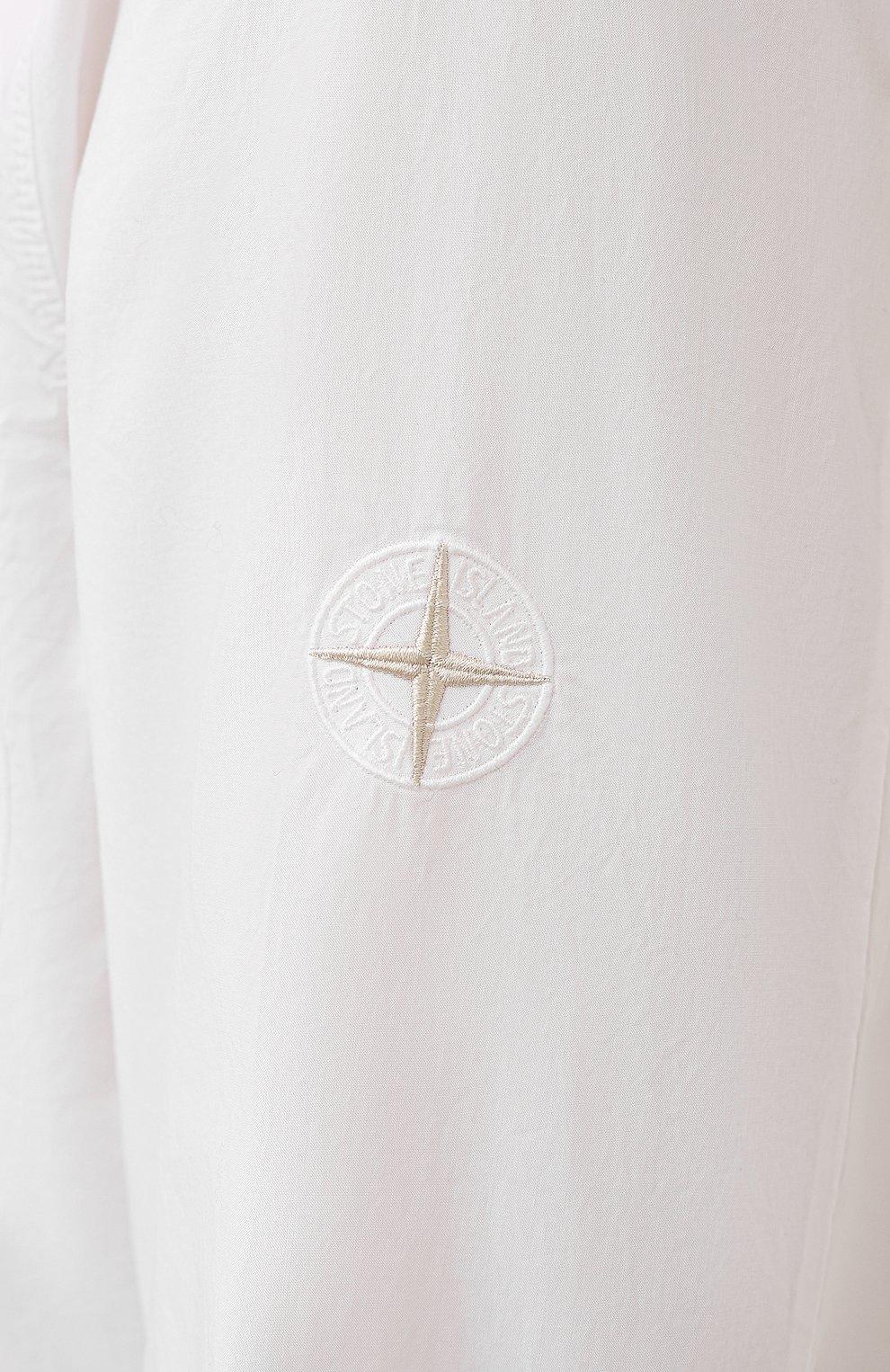 Мужская хлопковая рубашка STONE ISLAND белого цвета, арт. 751512501 | Фото 5 (Манжеты: На пуговицах; Воротник: Кент; Рукава: Длинные; Случай: Повседневный; Длина (для топов): Стандартные; Материал внешний: Хлопок; Принт: Однотонные; Стили: Кэжуэл)