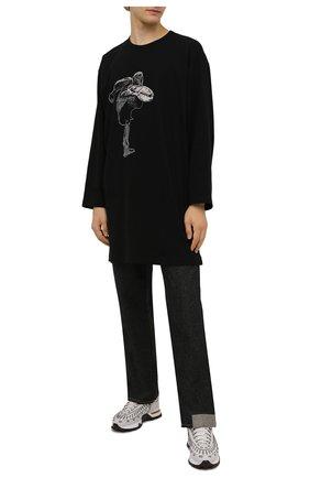 Мужская хлопковый лонгслив YOHJI YAMAMOTO черного цвета, арт. HX-T95-077 | Фото 2 (Материал внешний: Хлопок; Принт: С принтом; Рукава: Длинные; Длина (для топов): Удлиненные)