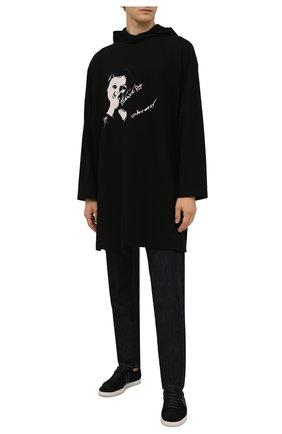 Мужская хлопковый лонгслив YOHJI YAMAMOTO черного цвета, арт. HX-T73-078 | Фото 2 (Материал внешний: Хлопок; Длина (для топов): Удлиненные; Рукава: Длинные; Принт: С принтом)