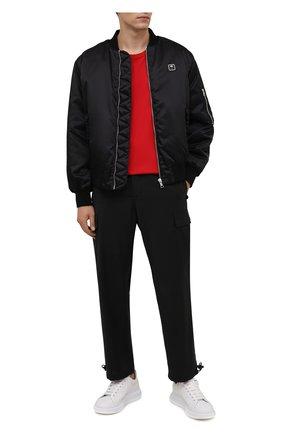 Мужская хлопковая футболка YOHJI YAMAMOTO красного цвета, арт. HX-T02-070 | Фото 2 (Материал внешний: Хлопок; Рукава: Короткие; Длина (для топов): Удлиненные; Принт: Без принта)