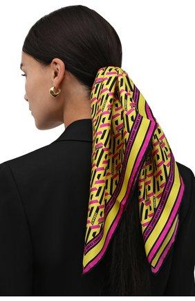 Женский шелковый платок VERSACE желтого цвета, арт. 1001601/1A01902 | Фото 2 (Материал: Текстиль, Шелк; Принт: С принтом)