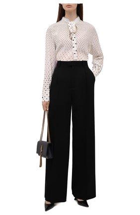 Женская шелковая блузка VALENTINO кремвого цвета, арт. WB0AE6F56PN   Фото 2 (Длина (для топов): Удлиненные; Рукава: Длинные; Материал внешний: Шелк; Стили: Романтичный; Женское Кросс-КТ: Блуза-одежда; Принт: С принтом)