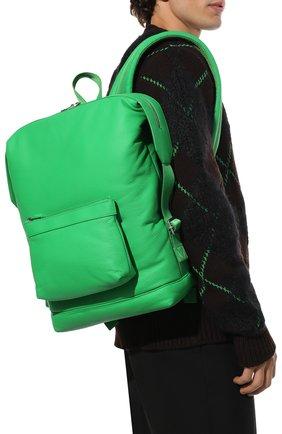 Мужской кожаный рюкзак classic pillow BOTTEGA VENETA зеленого цвета, арт. 658066/V00Z3 | Фото 2 (Материал: Натуральная кожа)